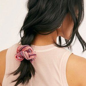 Free People Maisie Crochet Scrunchie Coral Pink